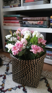 Flowers, books and texture give such a great mix!!