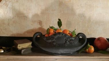 Black giardiniera with fruits gamanacasa