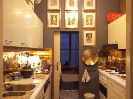 Kitchen & Night Bar