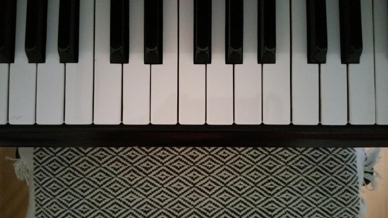 gamanacasa piano