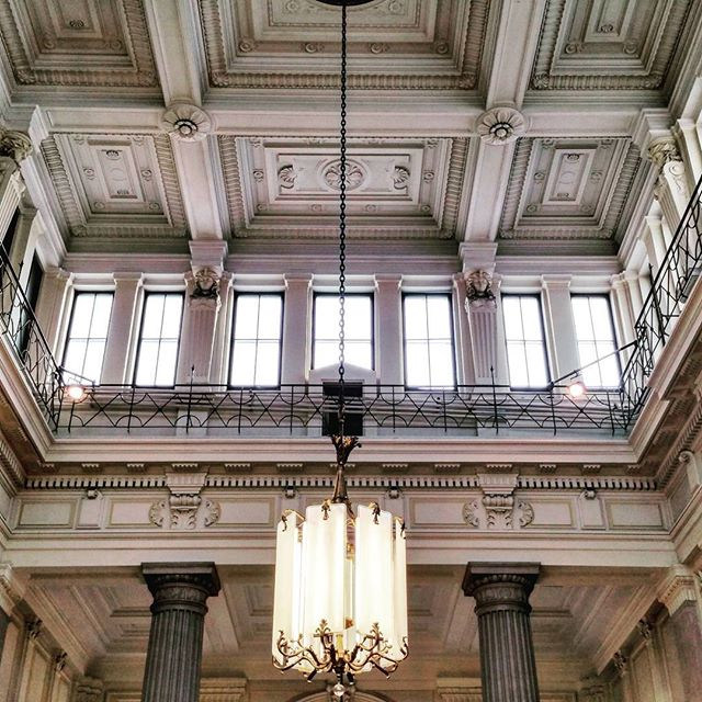 gamanacasa white ceiling