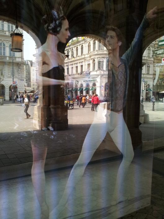 gamanacasa dancing museums 2
