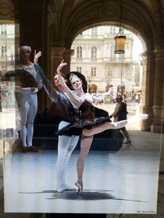 gamanacasa dancing museums