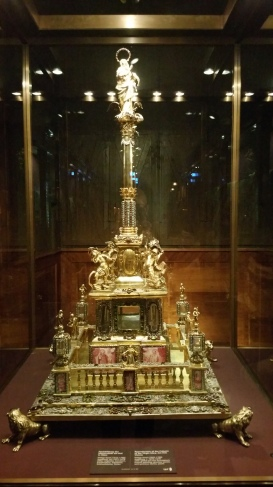 Gamanacasa vienna gold altar maria museum ring