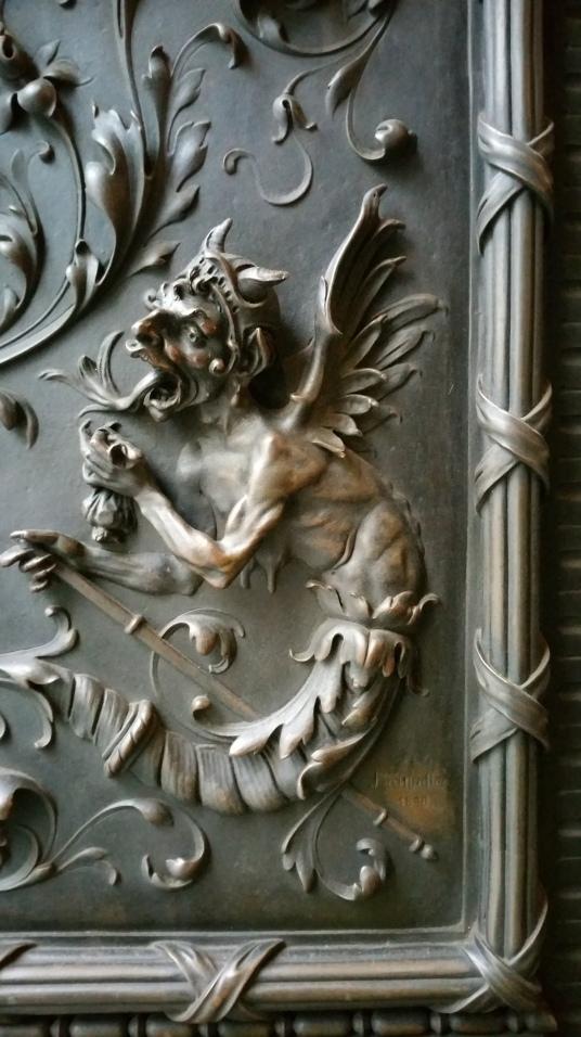Gamanacasa vienna stephansplatz medieval door
