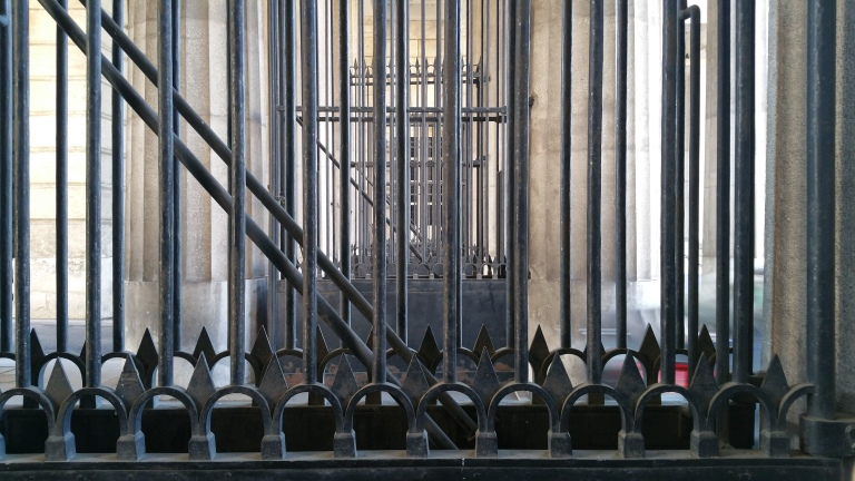 gamanacasa vienna hofburg fence 5