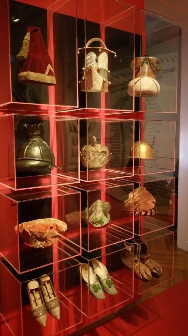 Gamanacasa vienna theatermuseum hats