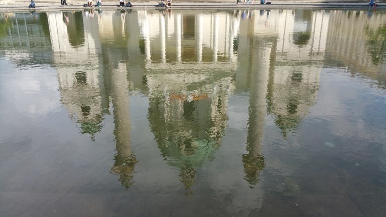 Gamanacasa vienna karlsplatz karlskirche water