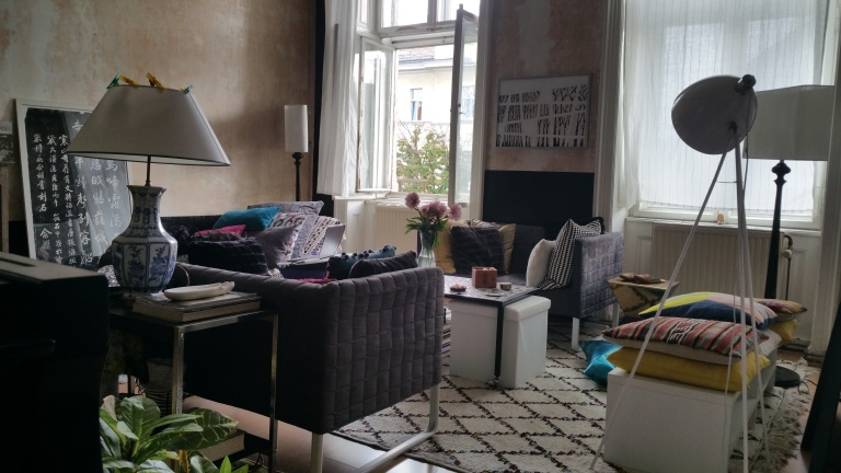 Gamanacasa vienna living room overview 4