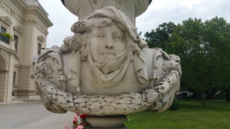 Gamanacasa vienna palace lichtenstein statue 1